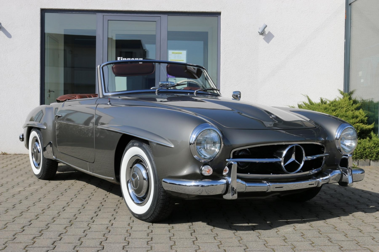 "1960 Mercedes-Benz 190SL restoration (""frame-off"") performed"